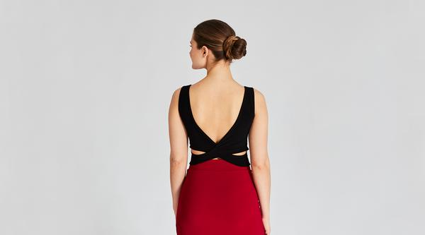 How to Wear a Backless Dress Without a Bra