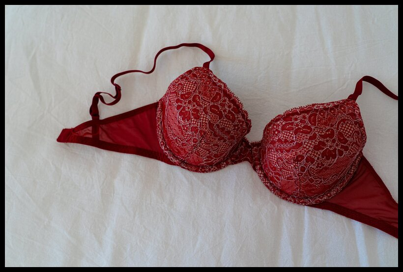 how to tell when your bra is too big